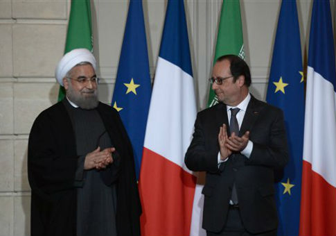 Hassan Rouhani and Francois Hollande / AP