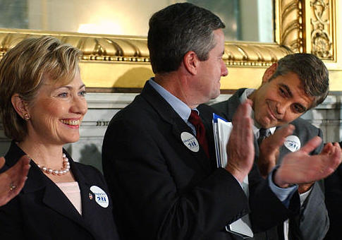 Hillary Clinton and George Clooney in 2003 / AP