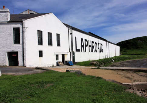 The Laphroaig distillery on the isle of Islay / Peter Church