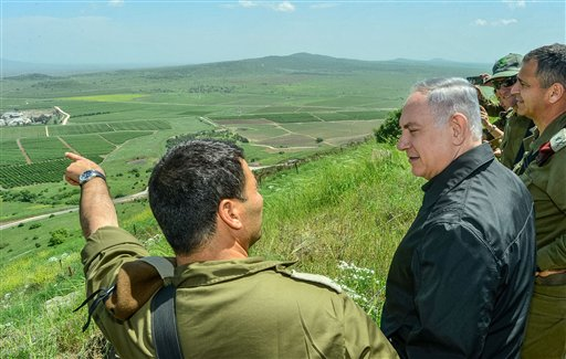 Benjamin Netanyahu at the Golan Heights / AP