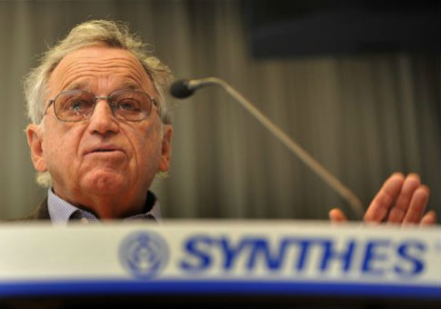 Hansjorg Wyss speaks during a press conference of Swiss medical devices maker Synthes Inc / AP