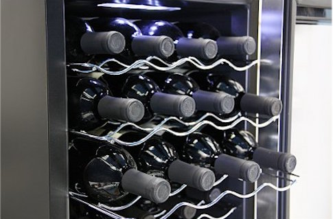 Walmart's 20-Bottle Thermoelectric Wine Cooler / Walmart.com