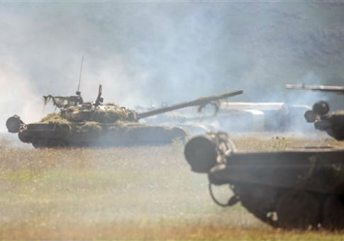 Russian T-80 tanks take part in a tactical military exercise in Armenia / AP