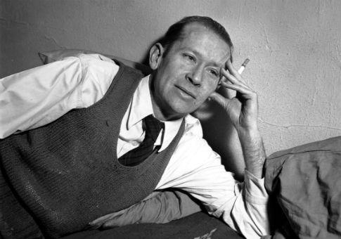 E.E. Cummings in 1938 / AP