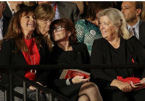 Paula Jones, left, talks with Kathleen Willey and Juanita Broaddrick before the second presidential debate, Oct. 9, 2016 / AP