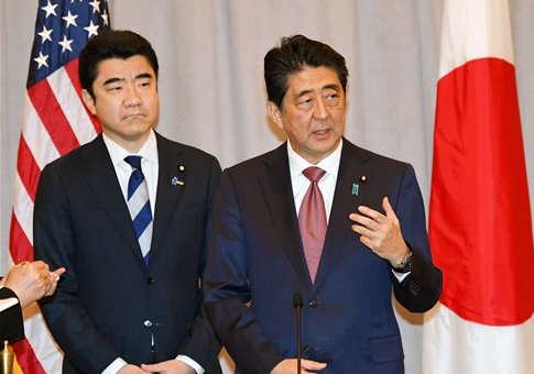 Japanese Prime Minister Shinzo Abe in New York following meeting with U.S. President-elect Donald Trump / Kyodo via AP