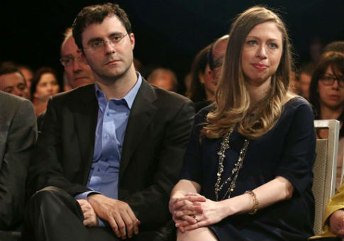 Chelsea Clinton and husband Marc Mezvinsky attend Clinton Global Initiative, 2014 / AP
