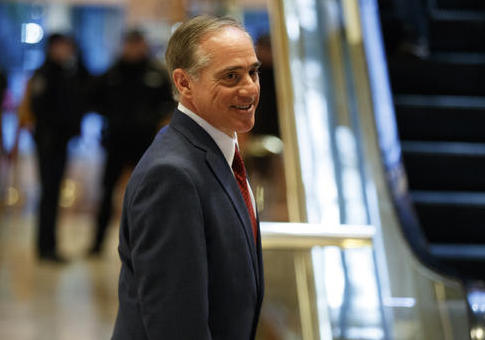 David Shulkin leaves Trump Tower / AP