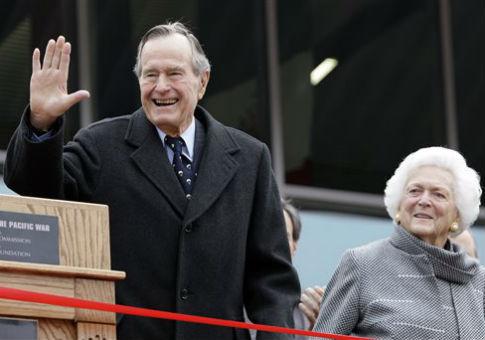Former President George H.W. Bush and former First Lady Barbara Bush / AP