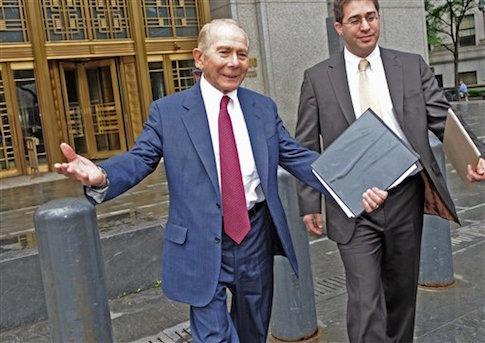 Former AIG CEO Hank Greenberg leaving a Manhattan court  / AP