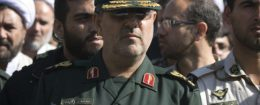 Head of Iran's Revolutionary guards ground forces Mohammad Pakpour (C) / REUTERS