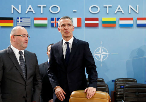 Georgian Defense Minister Levan Izoria (L) and NATO Secretary-General Jens Stoltenberg / REUTERS