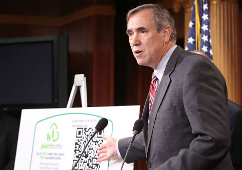 Merkley: Previous Immigration Deal Between Trump and Schumer Didn't Include Border Wall