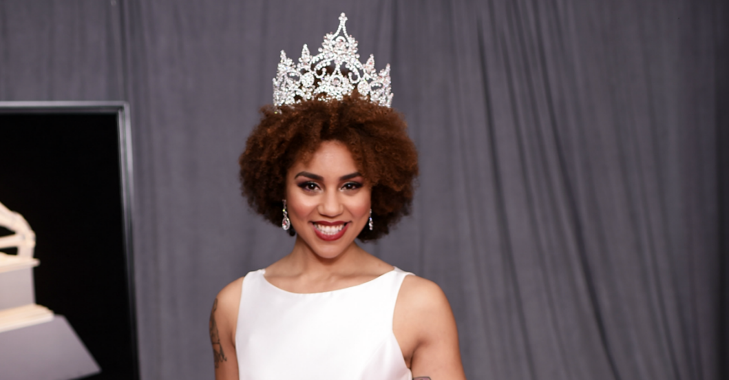 Joy Villa: Joy Villa Outdoes Last Year's Grammy Appearance With Pro