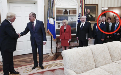 Redhead in Background of Oval Office Photo Isn't Accused Russian Spy Maria Butina
