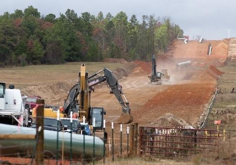 Construction of the TransCanada Keystone XL Pipeline in Texas / AP