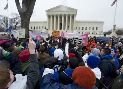 Pro-life and pro-abortion protestors in front of the Supreme Court