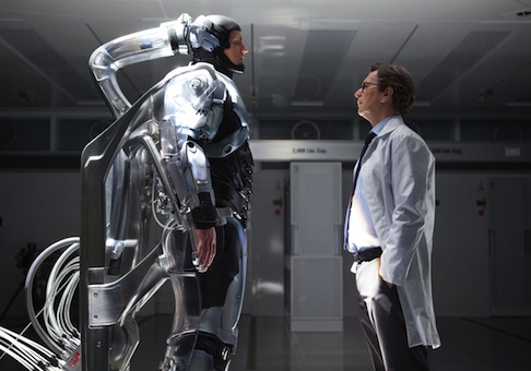 Joel Kinnaman, Gary Oldman in Robocop / AP