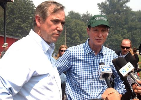 Oregon Senators Jeff Merkley, left, and Ron Wyden want audit of Oregon's health care exchange