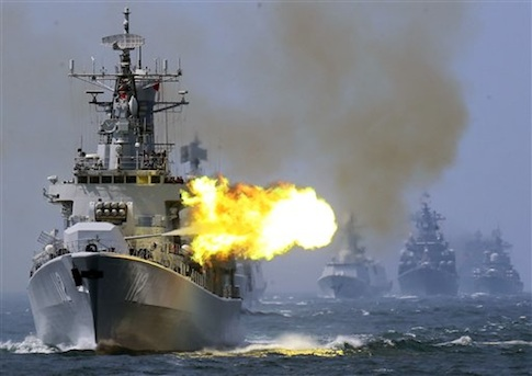 """China's Harbin (112) guided missile destroyer takes part in the week-long China-Russia """"Joint Sea-2014"""" exercise at the East China Sea off Shanghai in May 2014"""