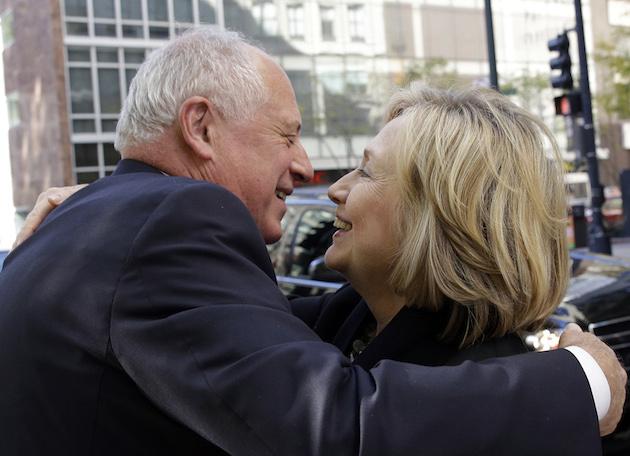 Hillary Rodham Clinton, Pat Quinn