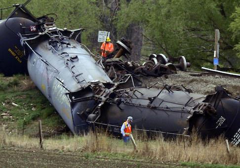 Crude oil train derailed in LaSalle, Colo. / AP