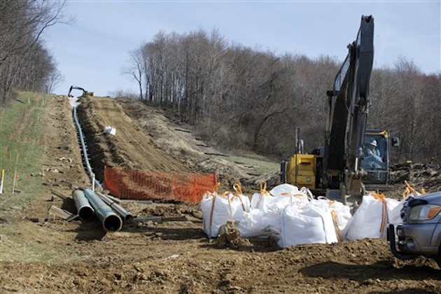 LIUNA workers continue the construction at a gas pipeline site in Harmony, Pa. / AP