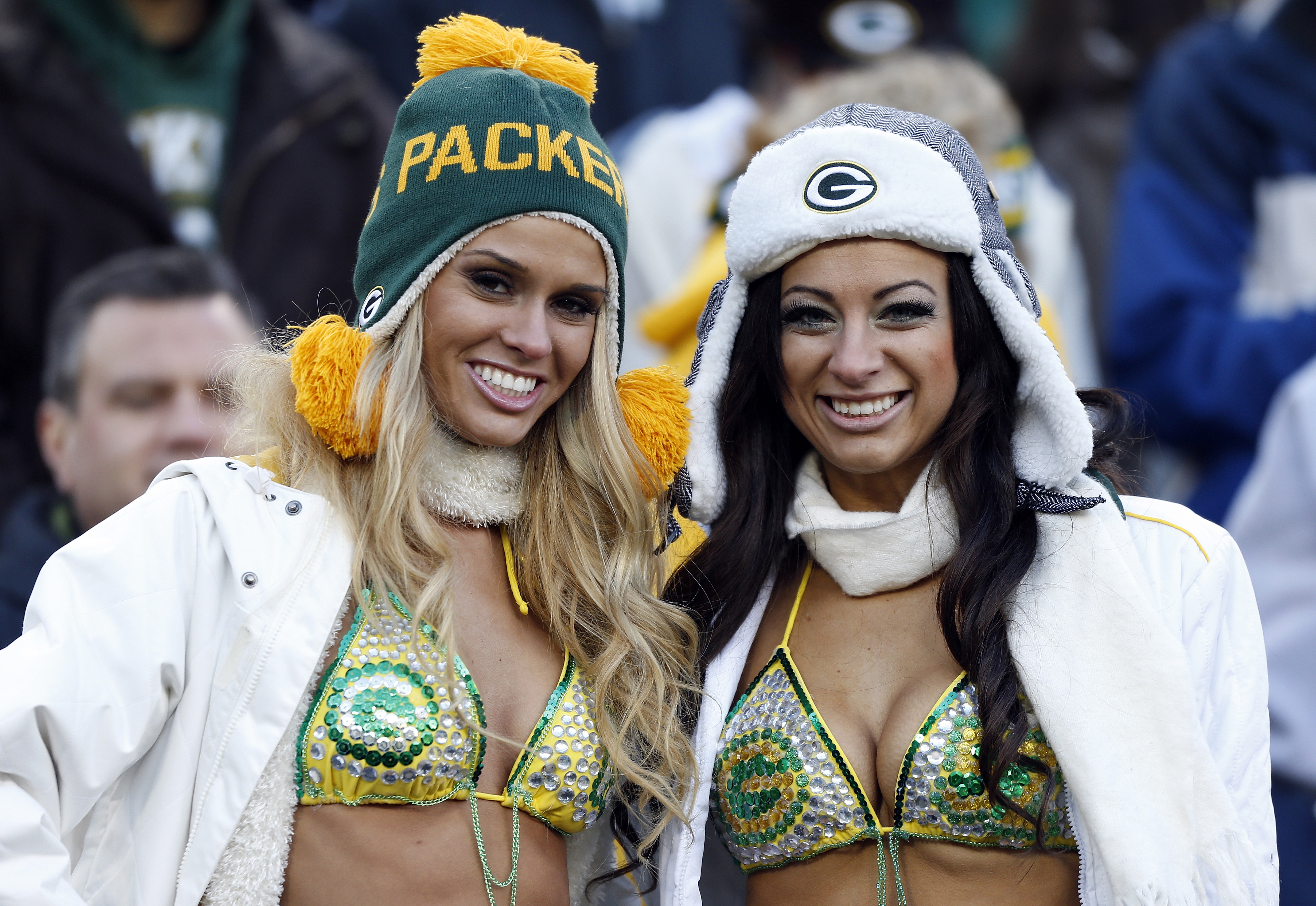 Sparks short lions vs packers bikini girls roofie wife