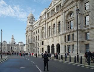 London_MMB_»1Z9_Horse_Guards_Avenue
