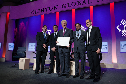 Raj Fernando with Bill Clinton at 2013 CGI meeting / RajFernando.com