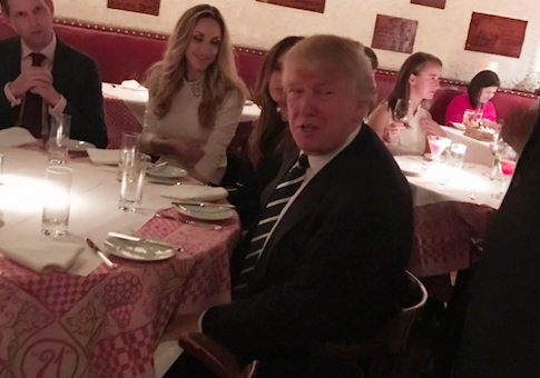 Trump eats at the 21 Club in Manhattan