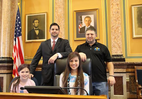 Meredith and Natalie Gibson in the Iowa state Capitol