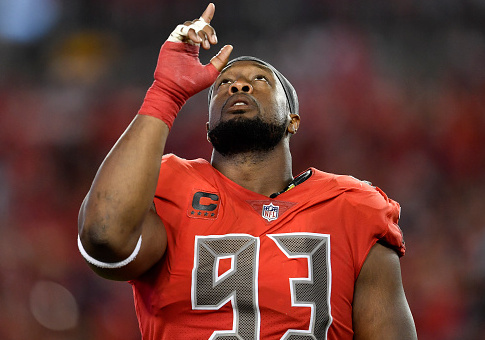 Tampa Bay Buccaneers defensive tackle Gerald McCoy (93) during an NFL football game against the Patriots. (Photo by Roy K. Miller/Icon Sportswire via Getty Images)