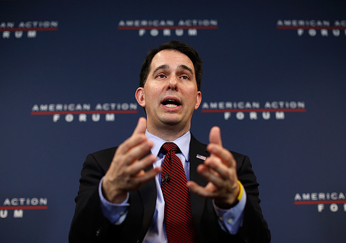 Liberals Go After Scott Walker After His Father Passes Away