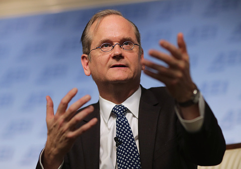 Harvard Law School professor and former 2016 Democratic presidential candidate Lawrence Lessig discusses campaign finance reform at the American Enterprise Institute November 13, 2015 in Washington, DC. Lessig said he abandoned his single-issue campaign for the Democratic nomination after he was unfairly excluded from the presidential debates earlier this year. / Getty Images