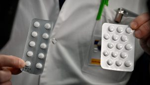 Tablets containing chloroquine and Plaquenil